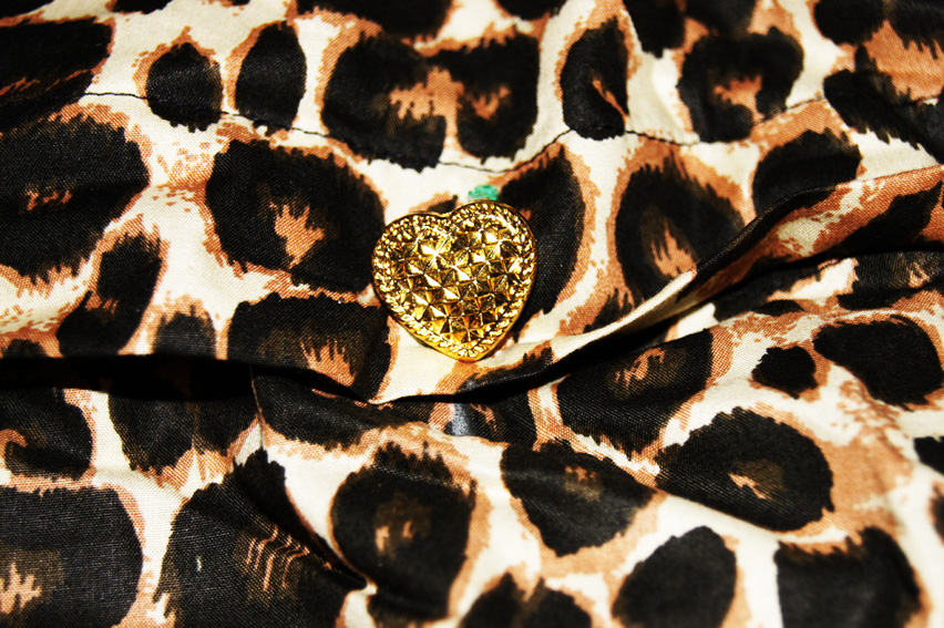 little diva luxus bettw sche bettgarnitur im leopard mit r schen gold. Black Bedroom Furniture Sets. Home Design Ideas